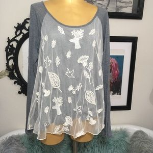 Anthropologie Eloise gray top sz Large